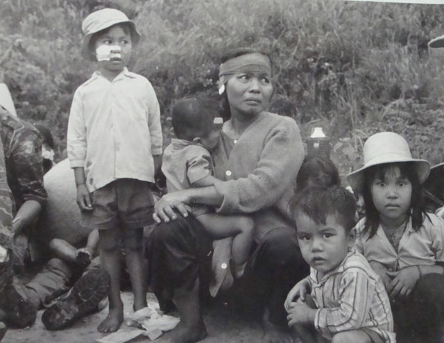 https://iwansuwandy.files.wordpress.com/2011/03/pleiku-to-refugees_danang.jpg?w=640&h=494